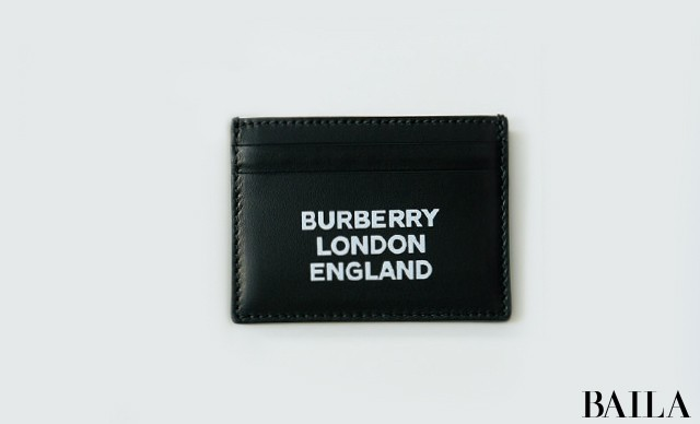 【BURBERRY】ユニセックスデザインは彼へのプレゼントにも♡ スモールレザーグッズ③_1