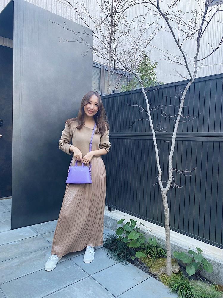 【エレンディーク】のワンピとヤーキの派手色バッグで春コーデ!_1