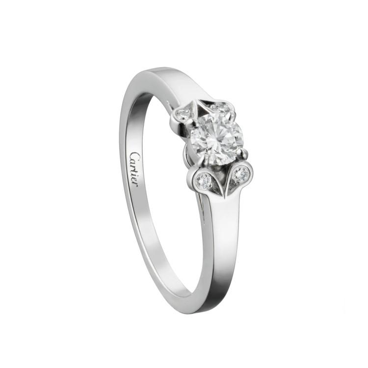 「バレリーナ」エンゲージメントリング(PT×ダイヤモンド)¥464000/カルティエ