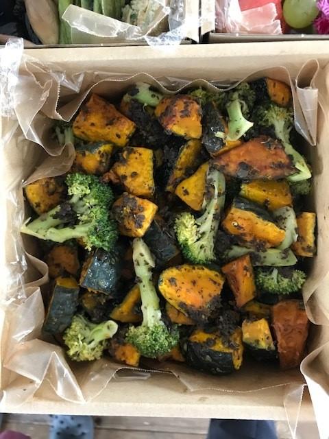 箱に詰まったおいしい「秋の色」!_1_4