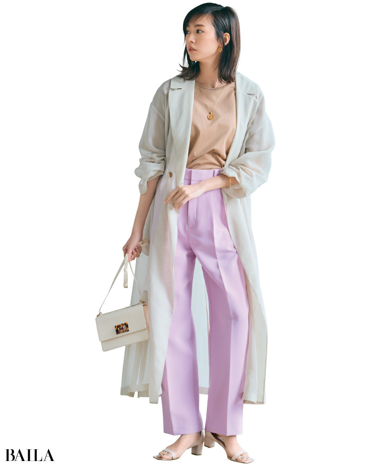 大人のピンクのセンタープレスコーデの桐谷美玲