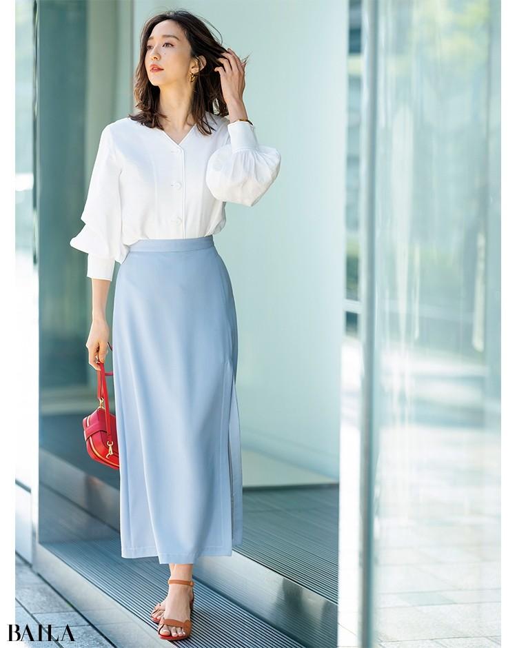 【着回し5】ほのかにつやめくサテンスカートできれいな色気も思いのまま
