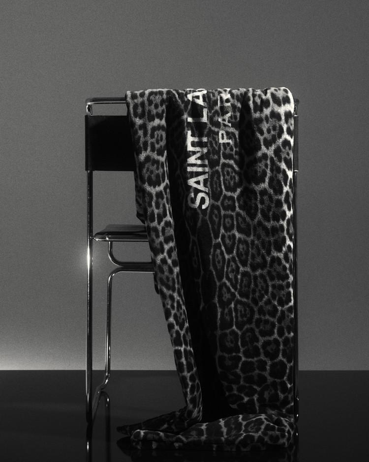 サンローランのバスタオル