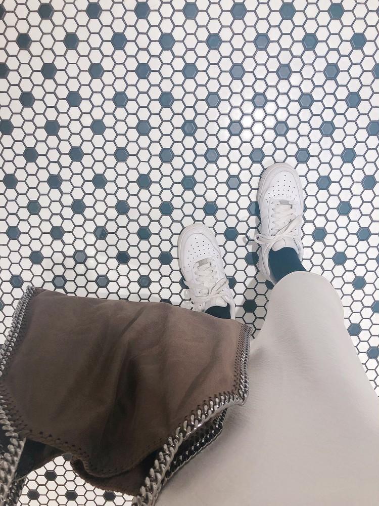 """最近のお気に入り""""デカ""""bagと白スニーカー。♡_6"""