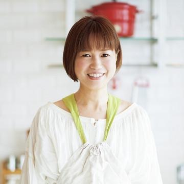 黄川田としえ(TOSHIE KIKAWADA)