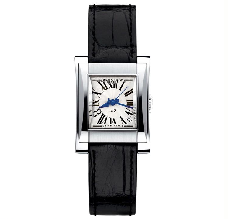 スクエアフェイスの腕時計と、美しく歳を重ねたい【30代からの名品・愛されブランドのタイムレスピース Vol.12】_2_5
