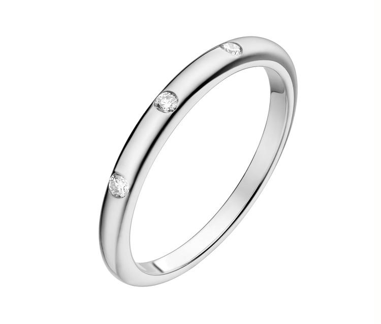 「フェディ」マリッジリング(Pt×ダイヤモンド)¥174000/ ブルガリ ジャパン