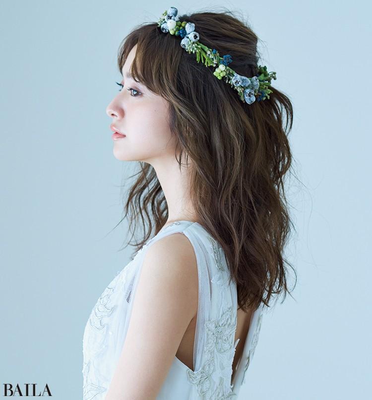 ドレス(販売)¥450000・(レンタル)¥280000/マリア ラブレース(インマクラーダ ガルシア) 花冠¥10000〜/figue