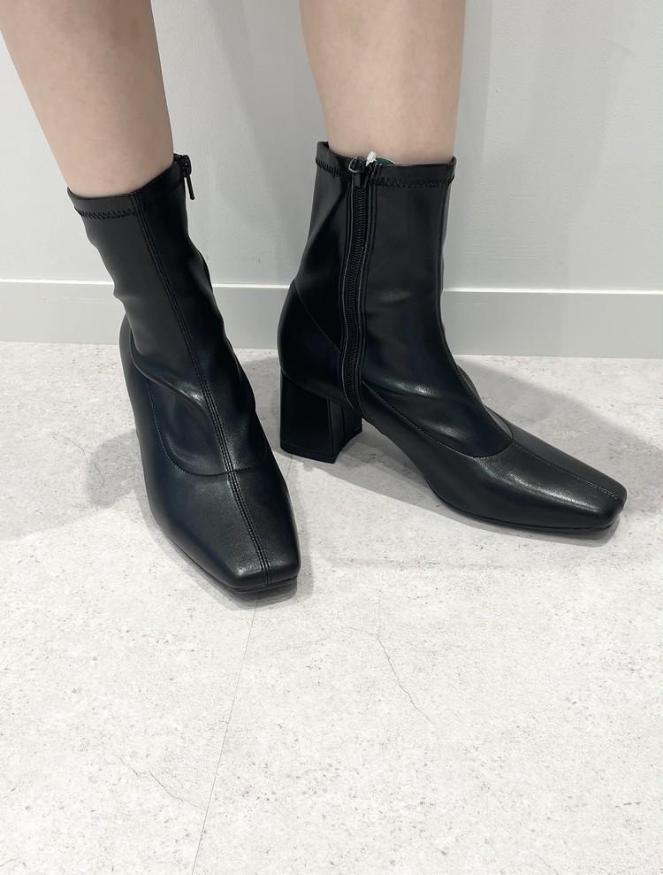 【GU】黒ブーツ着用写真