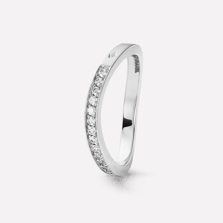 「リュバン ドゥ シャネル」マリッジリング(PT×ダイヤモンド)¥310000/シャネル