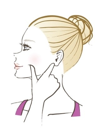 【顔筋ほぐし】1:咬筋に反対の親指を固定する