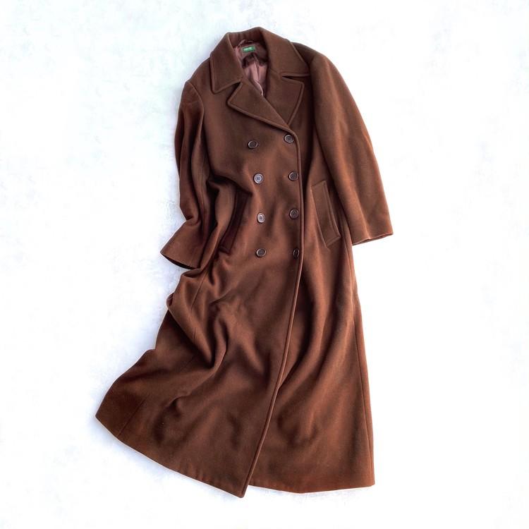 グリーン×ブラウンの着やせ配色コーデ