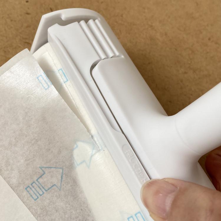 ダイソー DAISO 100均 100円ショップ 高価格帯 新ブランド スタンダードプロダクツ Standard Products おすすめ キレイに切れるテープカット付き粘着クリーナー