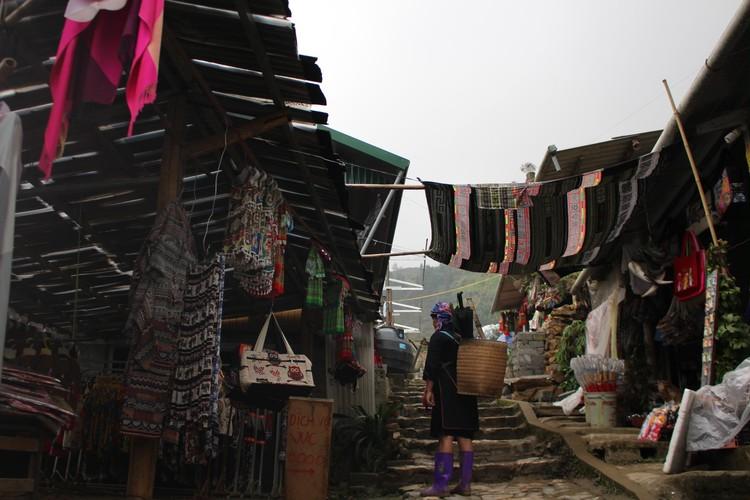 色彩豊かなベトナム旅①【少数民族に会いに国境の街へ】_4