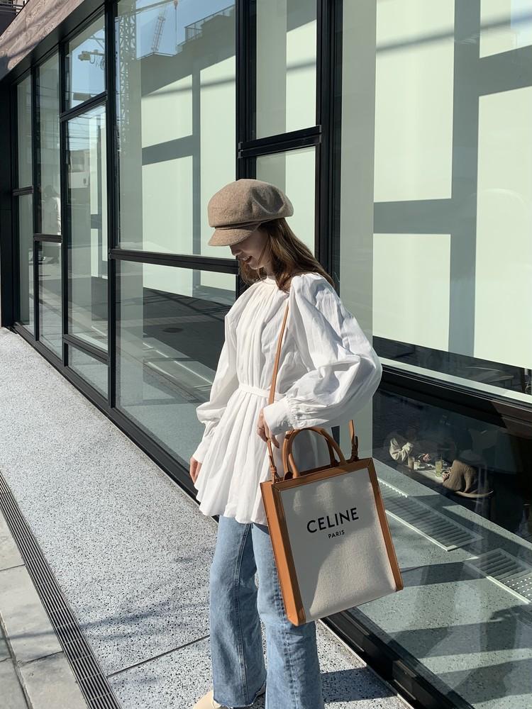 【CELINE】本命春バッグは「ブランドロゴトート」_7