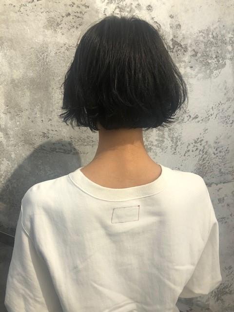 <簡単イメチェン>タートルネックとの相性◎ショート♡と、オススメヘア用品を紹介!_2_1