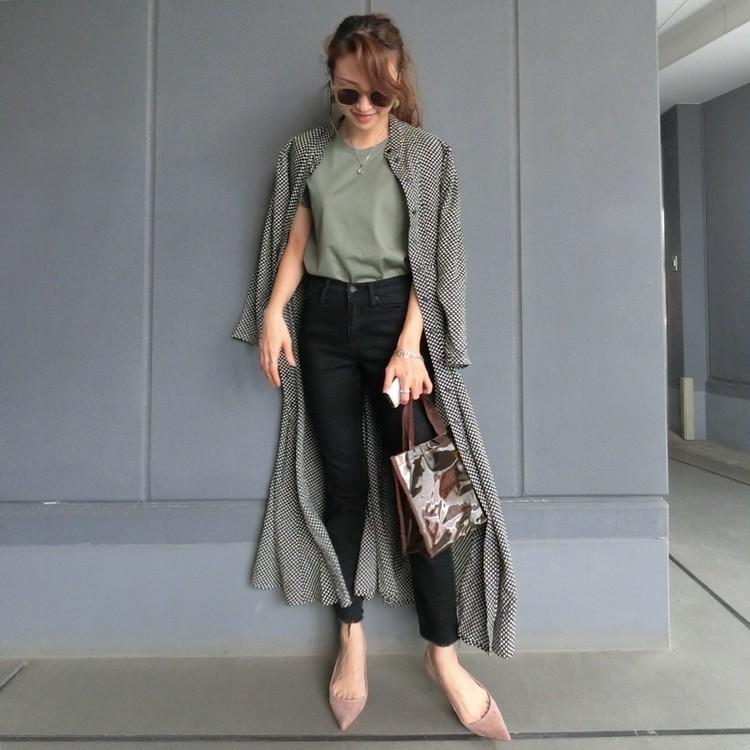 H&MのプレミアムコットンTシャツ コーディネート例