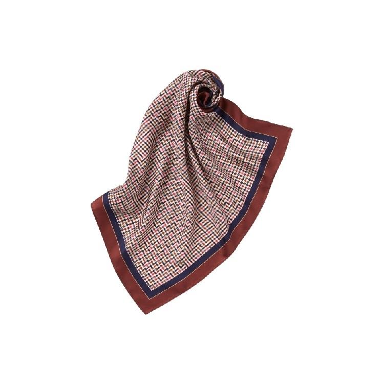 ユニクロ × イネス・ド・ラ・フレサンジュ 2021年秋冬コレクション シルクプリントスカーフ¥1500