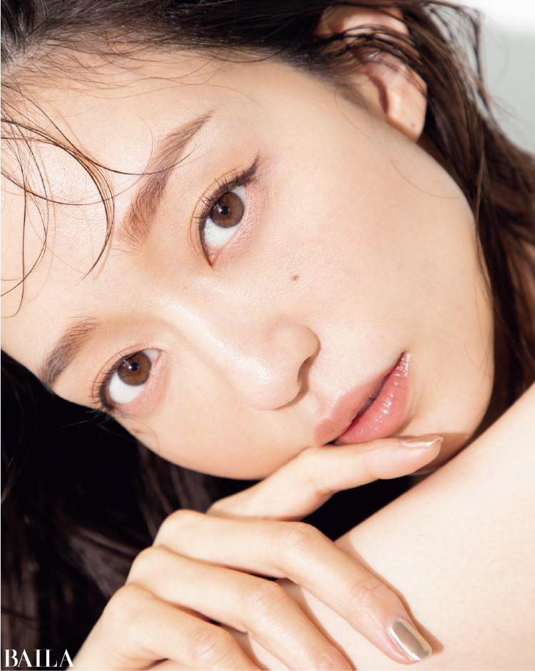 しなやかなボディと澄み切った素肌はどうつくられているのか?松島花流・美の磨き方、必見です。