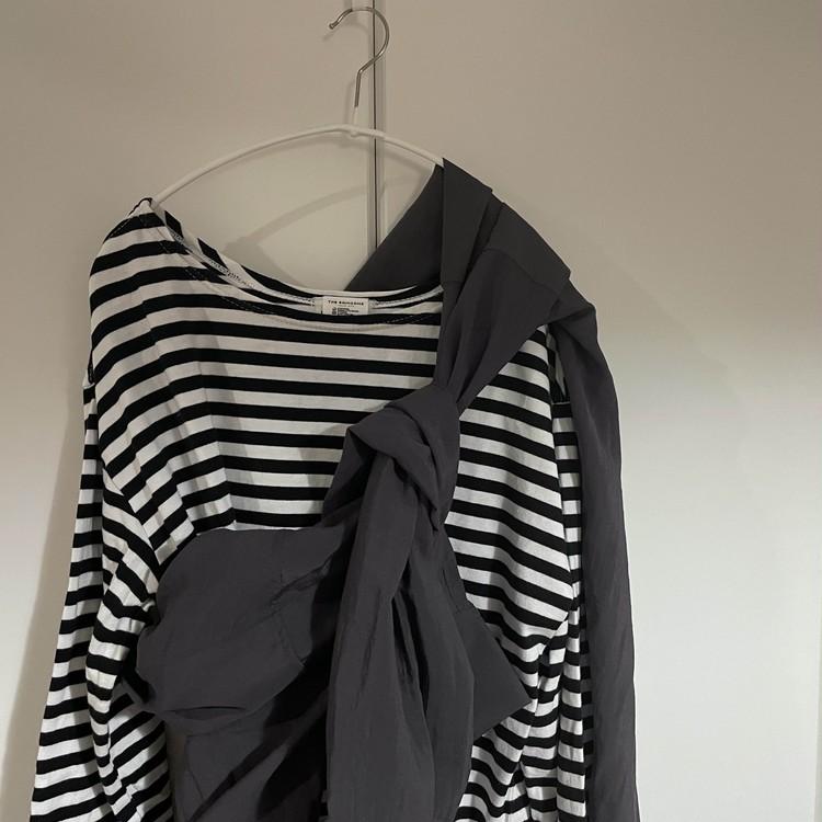 カオスのシャツの着回し。シャツのたすきがけスタイル。シンゾーンのボーダーとモノトーンコーディネートに。