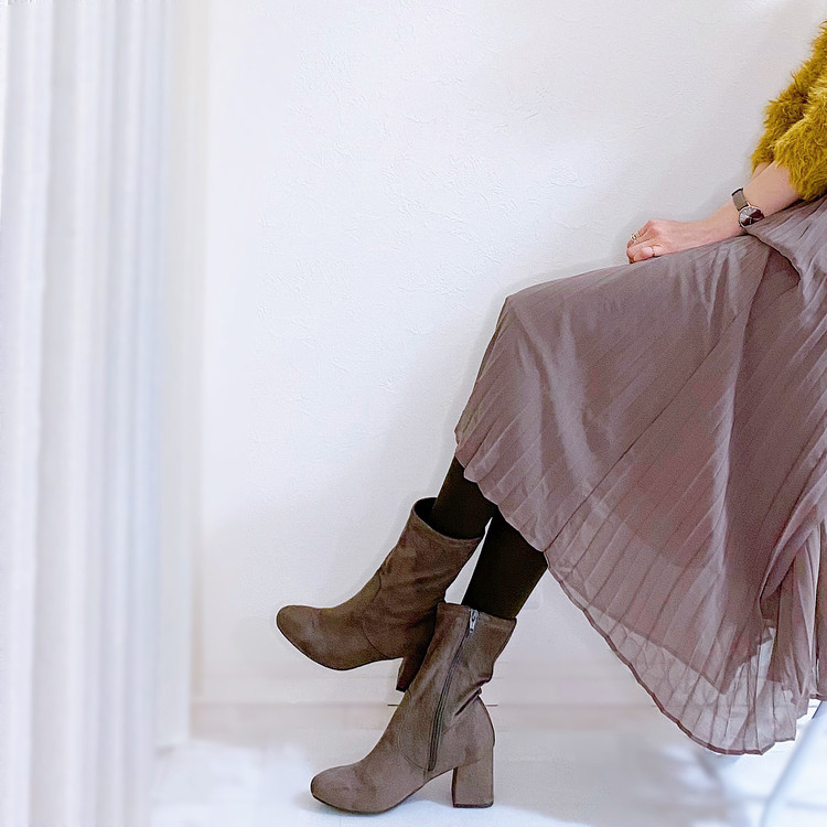 GUプリーツスカートと付録タイツで冬の華やかフェミニンコーデ_7