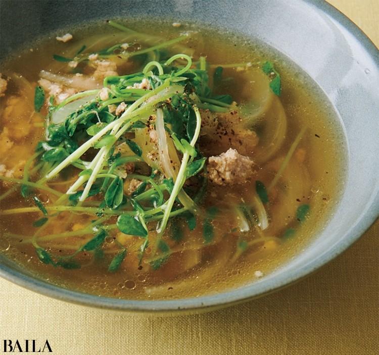 玉ねぎと鶏ひき肉の塩スープ