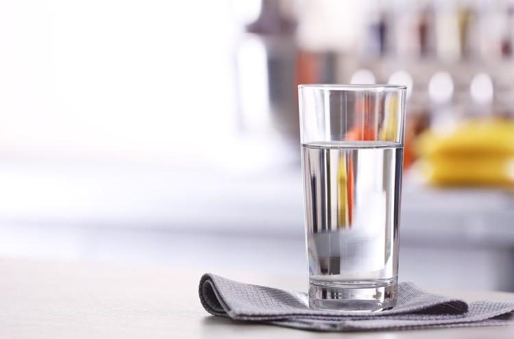 便秘解消にいい食べ物は? 水はやっぱりたくさん飲むべき?【医師が回答!30代の便秘】_3