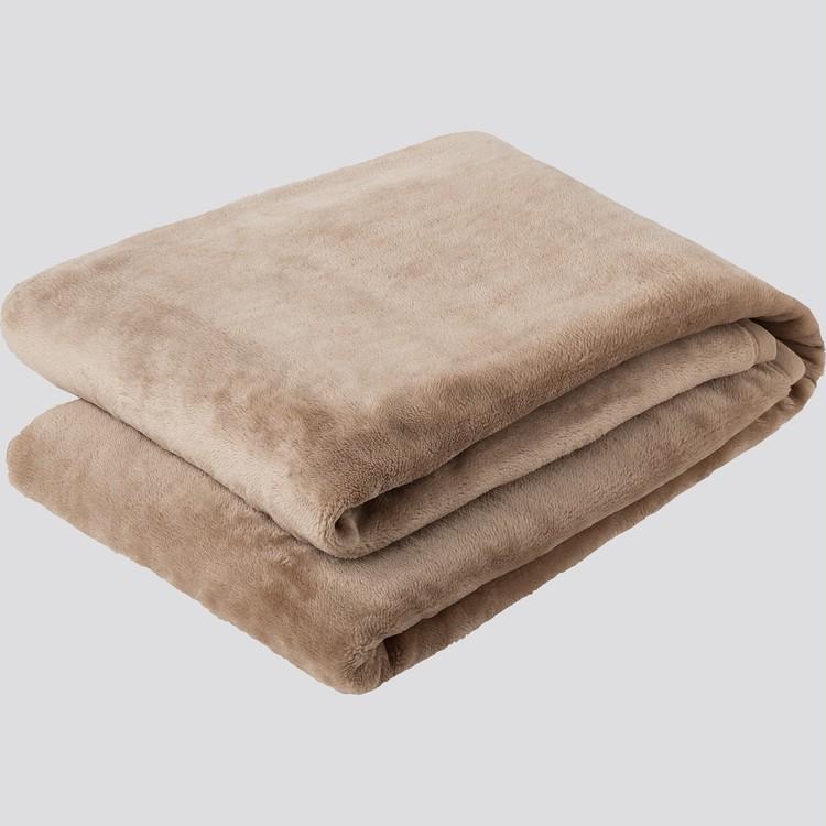 """【ユニクロ(UNIQLO)】「ヒートテック毛布」が全店舗で発売スタート、""""暖かい・軽い・洗える""""ベージュ"""