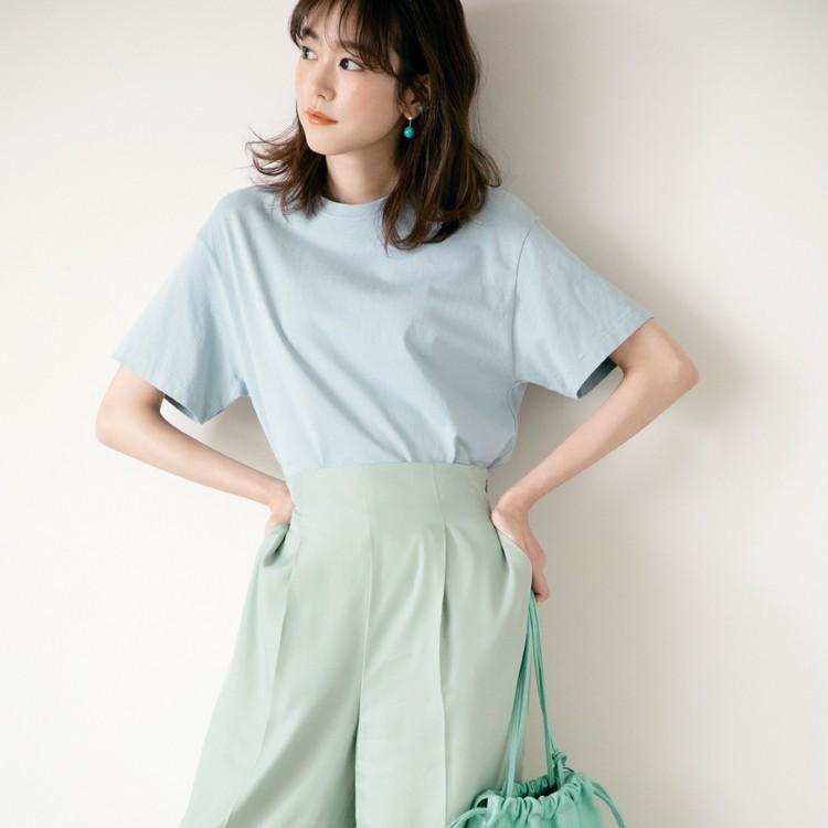 木曜日は、涼しげな色×色でクリーンな女らしさを【30代今日のコーデ】