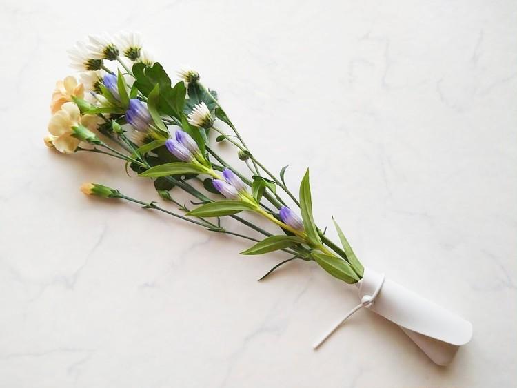 花を包んだシリコーンカトラリーカバー