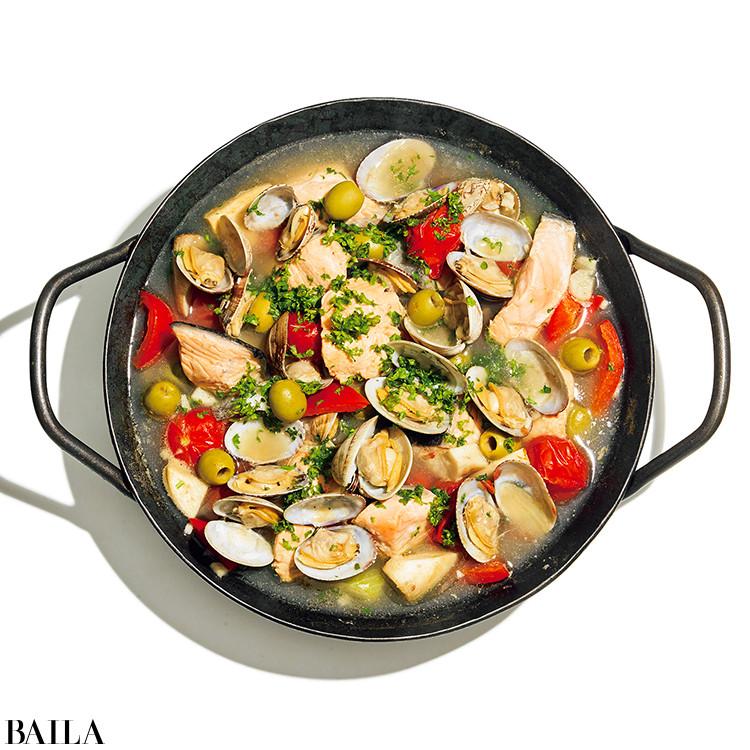 サーモンとアサリとトマトのイタリアン鍋