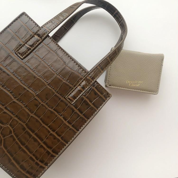 BAILA4月号 大人気ブランドのミニ財布が使いやすくて◎_5