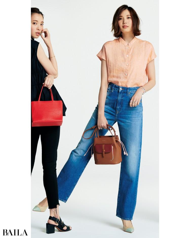 ブルーのデニムパンツとシャツコーデの宮田聡子