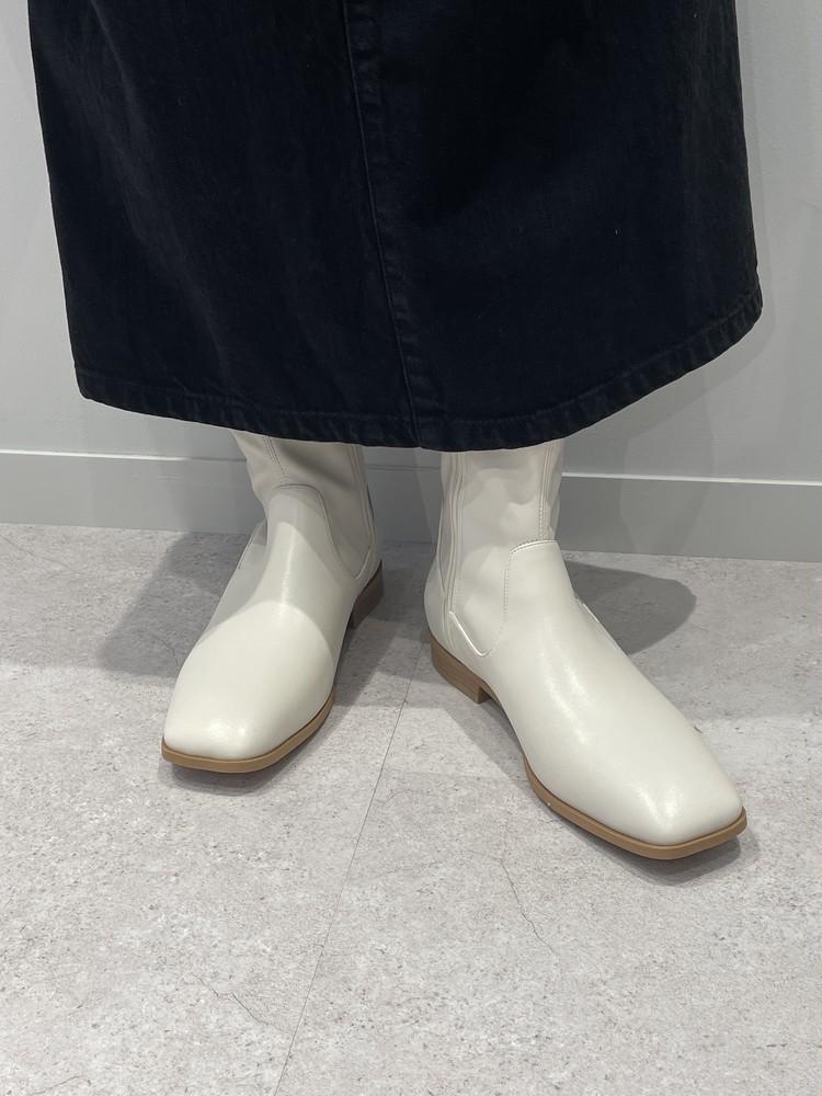 【GU】白ブーツの着用画像