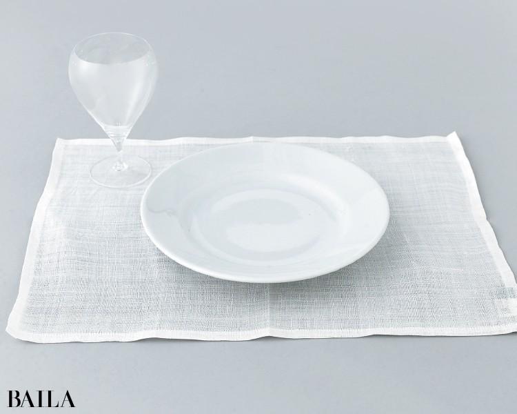 編集者 ツレヅレハナコさんは《木村硝子店のグラスとサタルニアのディナープレート》