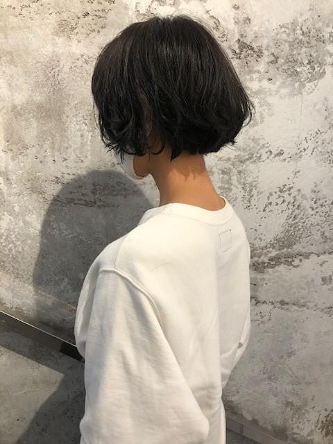 <簡単イメチェン>タートルネックとの相性◎ショート♡と、オススメヘア用品を紹介!_2_2