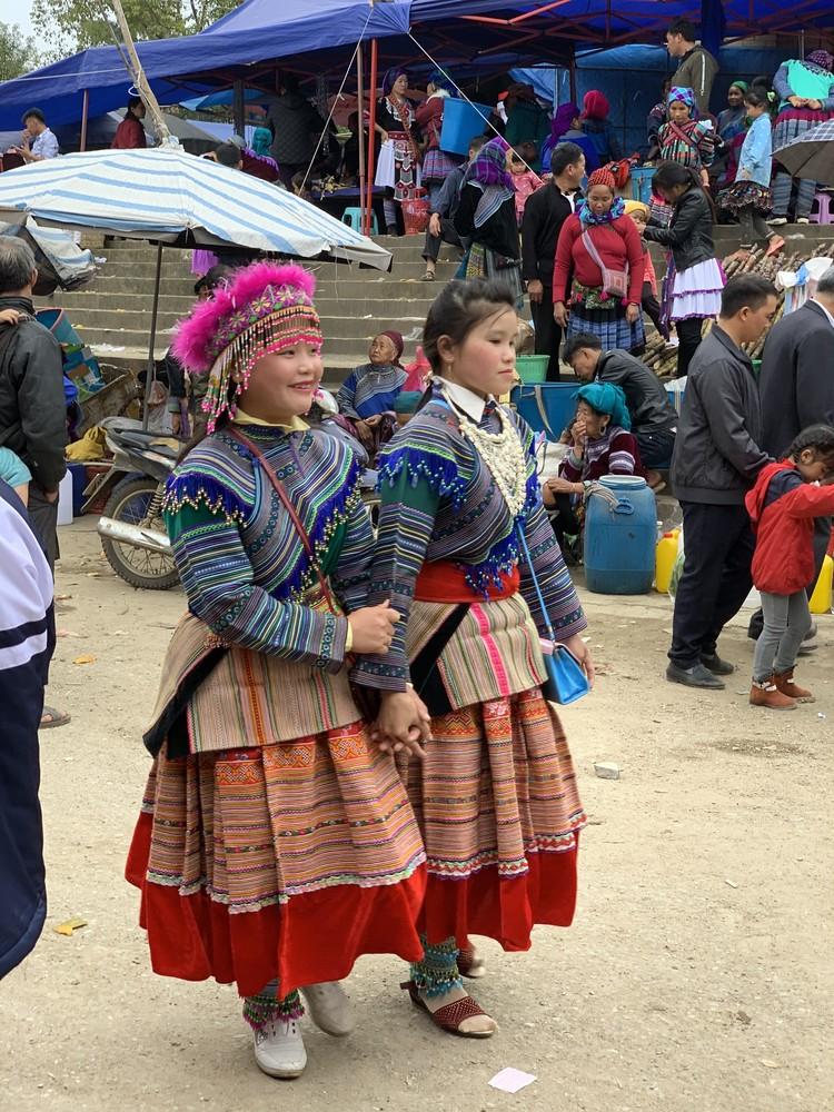 色彩豊かなベトナム旅①【少数民族に会いに国境の街へ】_1