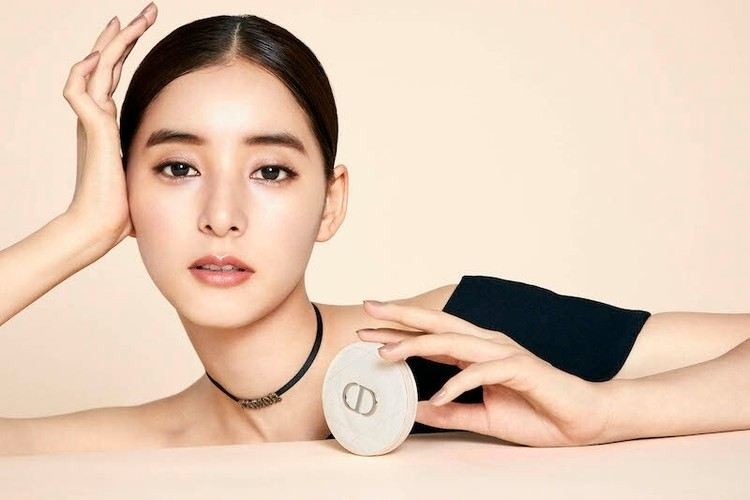 Dior 新ハイライターのビジュアル、新木優子さん