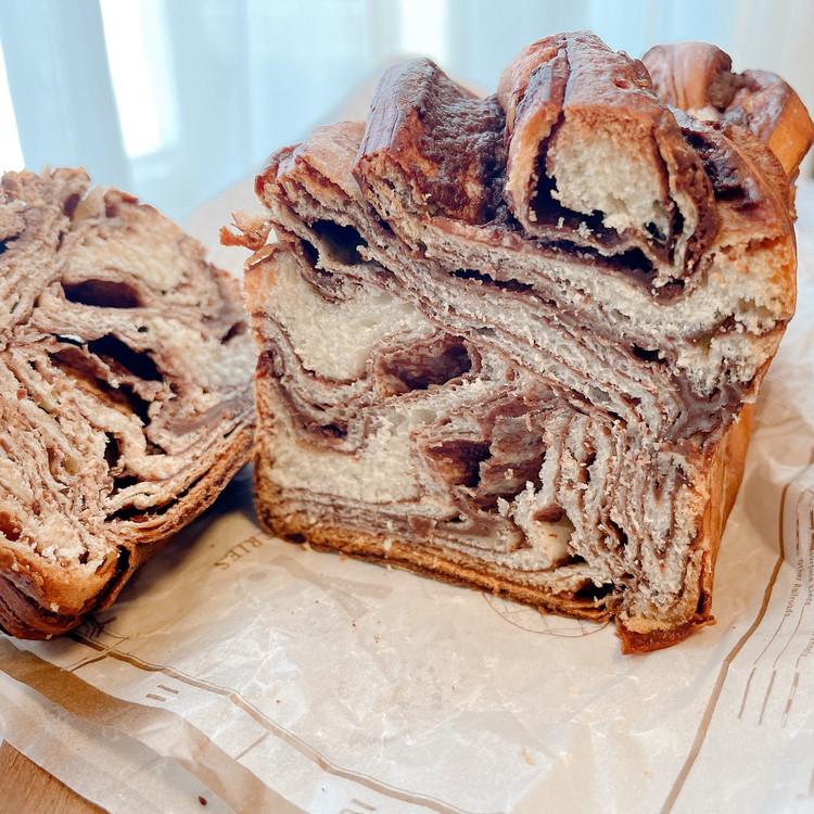 N.Y.焼き菓子専門店「OVEN.Y.(オーブン・ニューヨーク)」の「アルチザン バブカ」の断面