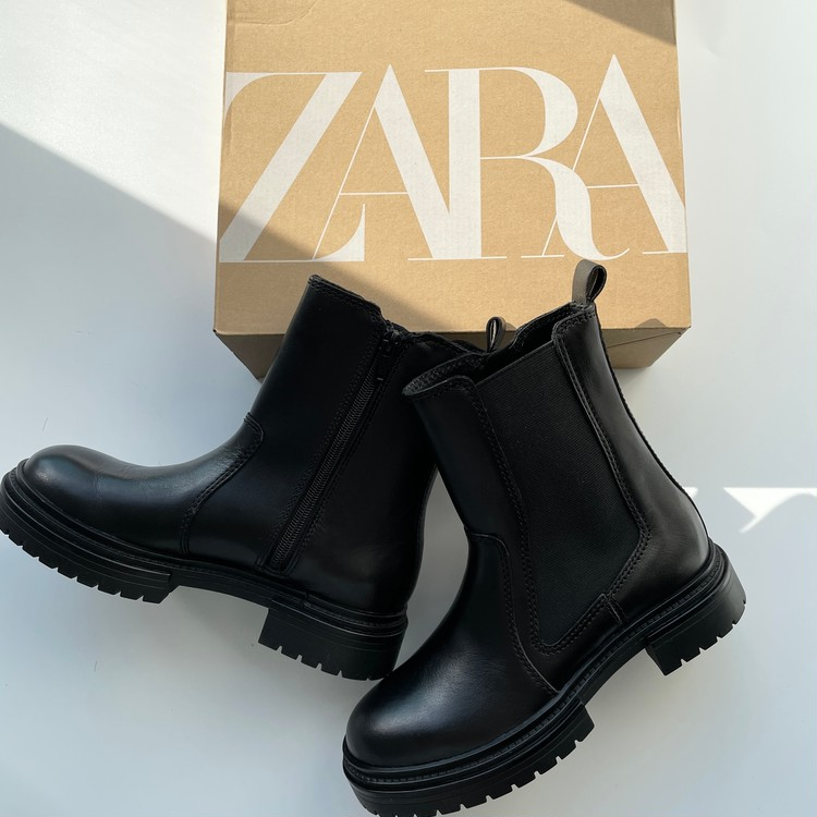 【ZARA(ザラ)】トラックソールサイドゴアブーツ