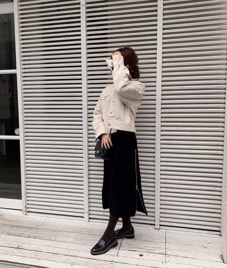 ブラックニットワンピの休日style_2