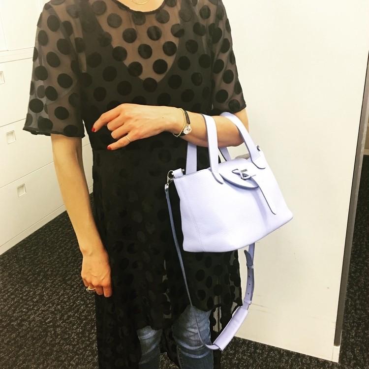 キャサリン妃も愛用【メリメロ】のバッグは持ち方が新しい!_2_1