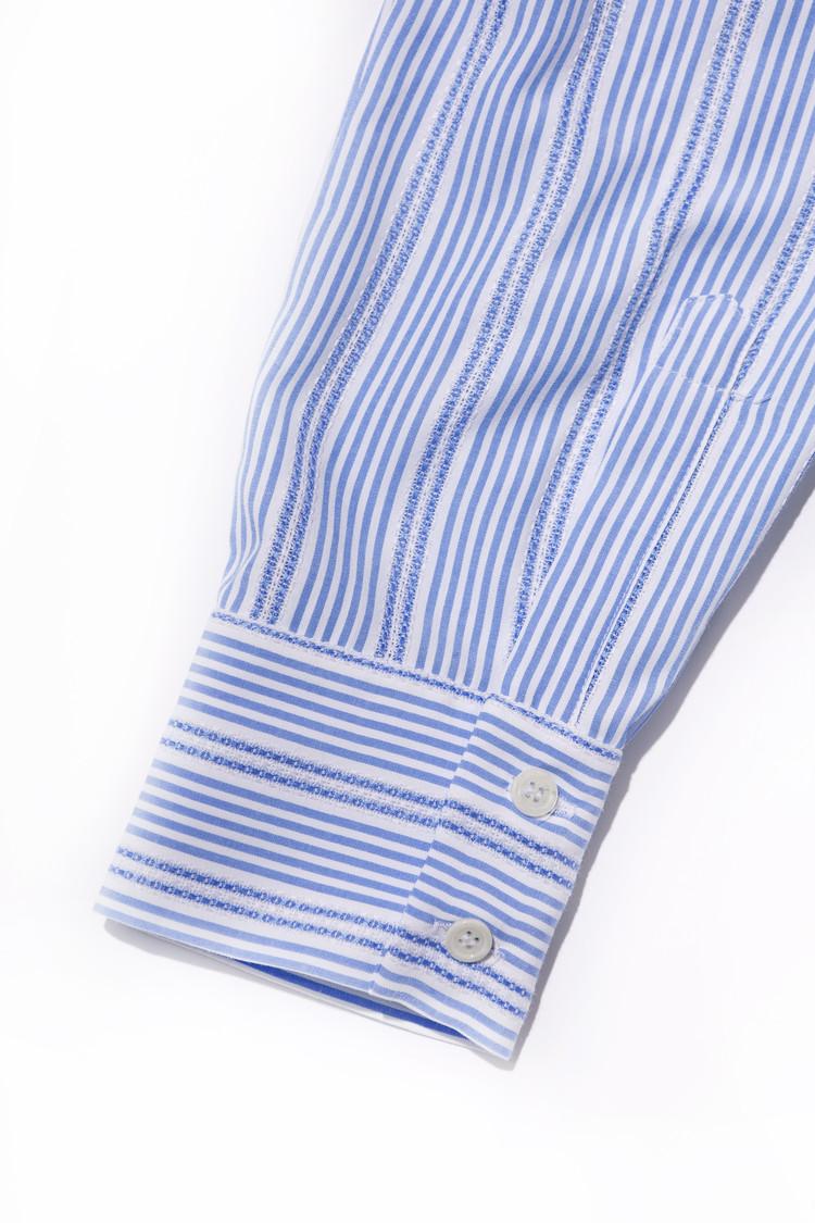 ZARAのワンピースの袖部分アップ