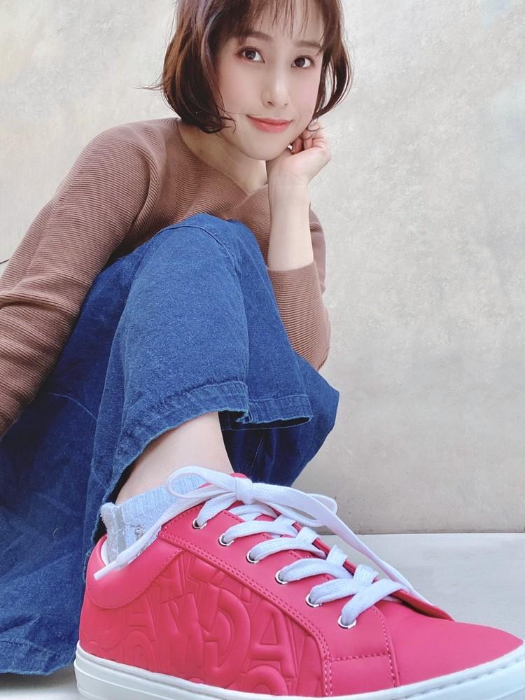 アラサーの履くピンク♡Ferragamoスニーカー_5
