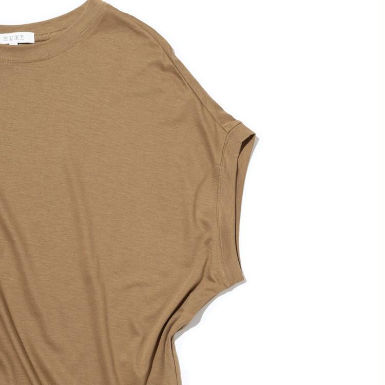 PLST(プラステ)のリヨセルコットンTシャツの袖部分