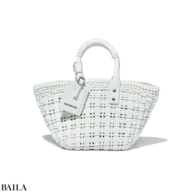 【BALENCIAGA】  「フェイクレザー素材が新鮮! 今年のかごバッグはこれに決まり」(ライターE)
