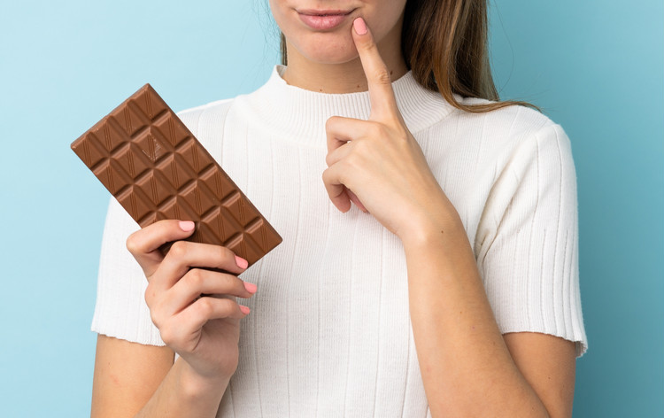 生理前にチョコ爆食…これって治療できるの?