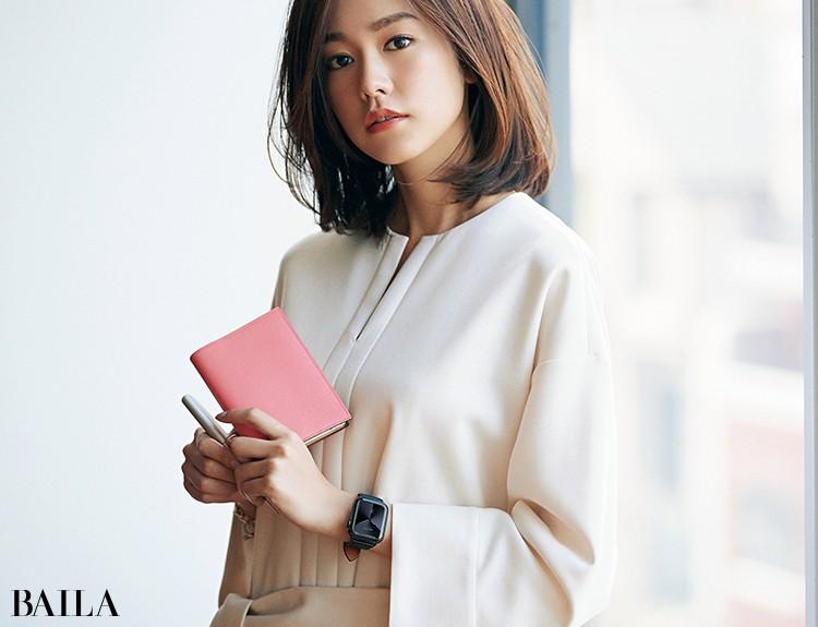 エルメスのスモールレザーグッズと桐谷美玲