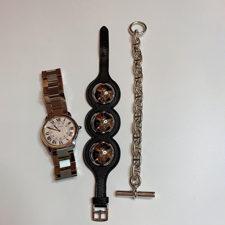 【カルティエの時計】 【エルメスのブレスレット】