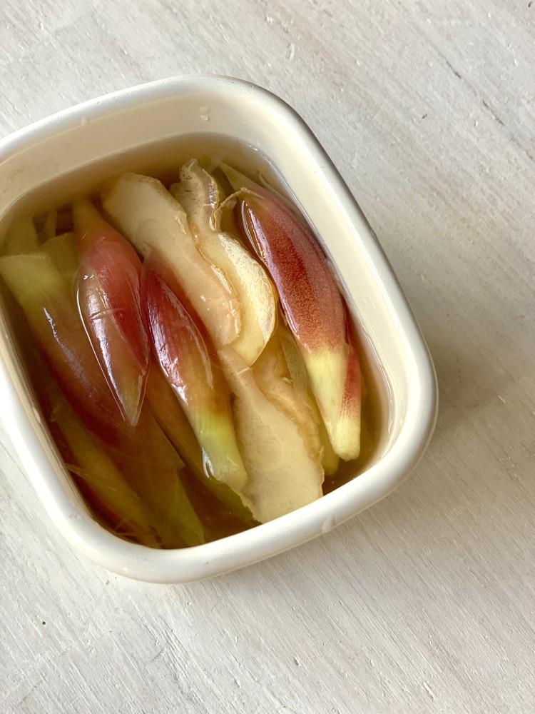 3.ミョウガと生姜の酢漬け(冷蔵庫で約10日間)